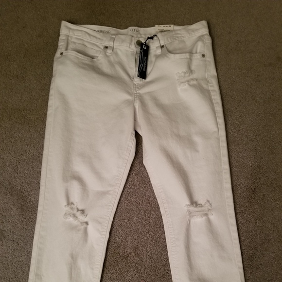 a.n.a Denim - White Cropped Boyfriend Jeans by a.n.a.